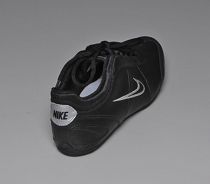 c43c0e381e Wmns Pls Alexi Cipő Nike Cipomarket hu bf76gYy